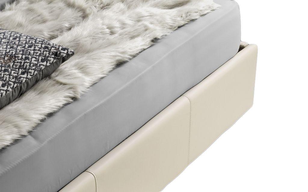 Lit coffre 6 point existe en plusieurs tailles de couchage : 90/12/140x190cm 160/180x200cm en simili cuir PU