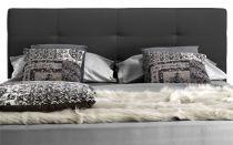 Lit coffre 6 point existe en plusieurs tailles de couchage : 90/12/140x190cm 160/180x200cm en tissu gris foncé